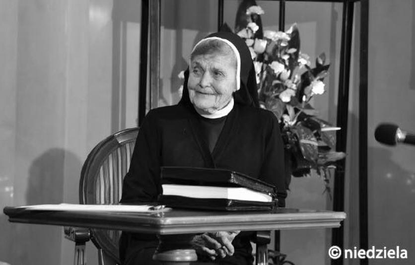 Do Pana odeszła Siostra Maria Rafała – Helena Włodarczak